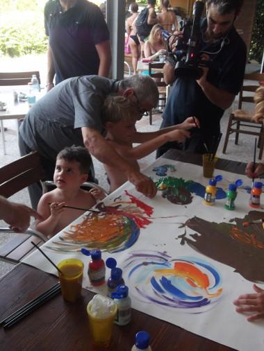 Il Critico Artista con i bimbi